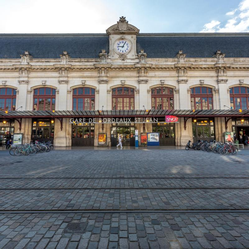 The 30 best hotels places to stay in bordeaux france for Hotels near bordeaux france