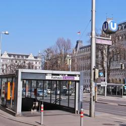 Rathaus Metro Stop