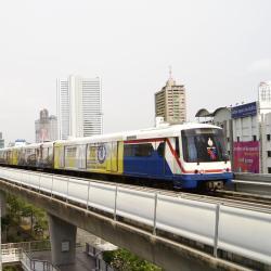 BTS-Bahnhof Krung Thon Buri