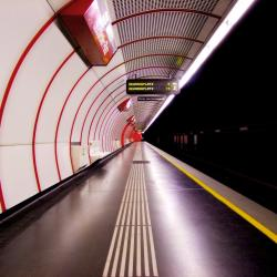 Stacja metra Südtiroler Platz – Hauptbahnhof