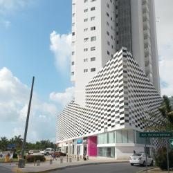 Plaza Las Americas, Cancún