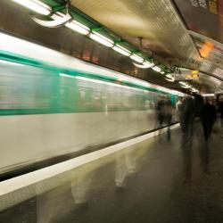 Esplanade de la Défense Metro Station