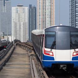 Станция наземного метро Saphan Taksin