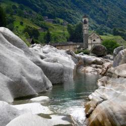 Valle Verzasca 13 Ferienhäuser