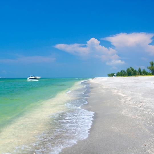 Sandy beach on Sanibel Island