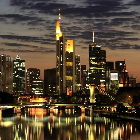 Frankfurts Skyline und Aussicht vom Main Tower