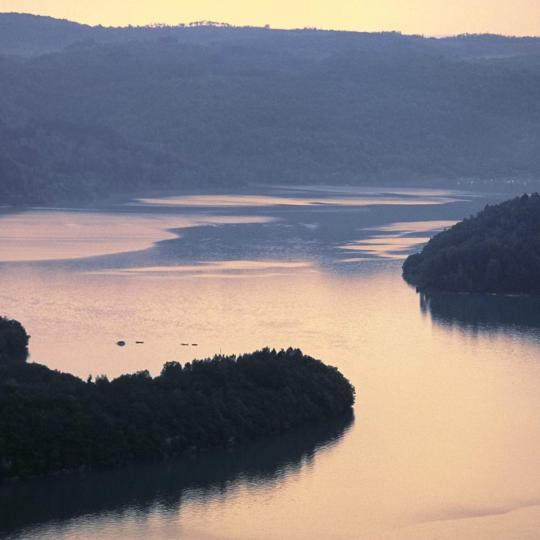 Watersporten op het meer van Vouglans