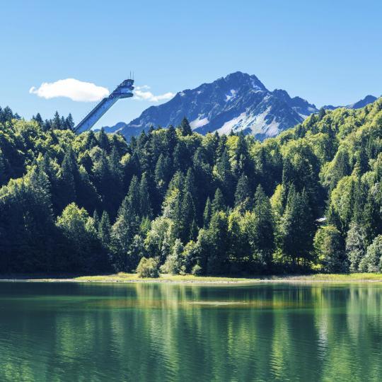Im Sommer die ruhigen Seen genießen