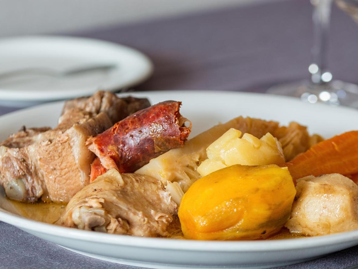 Un plato particularmente portugués con algo para todos.