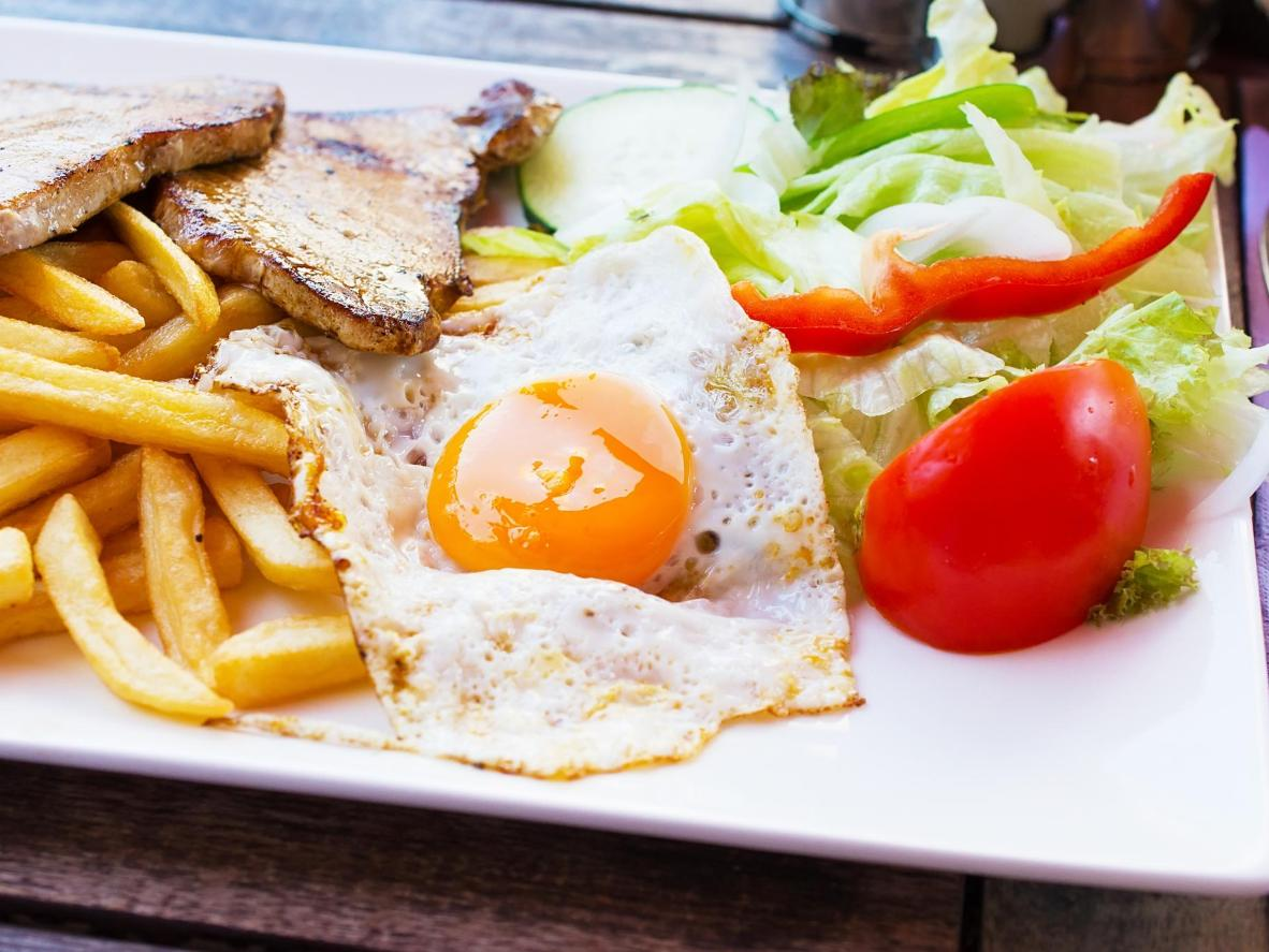 Plate, or no plate – a no-frills meat and egg platter