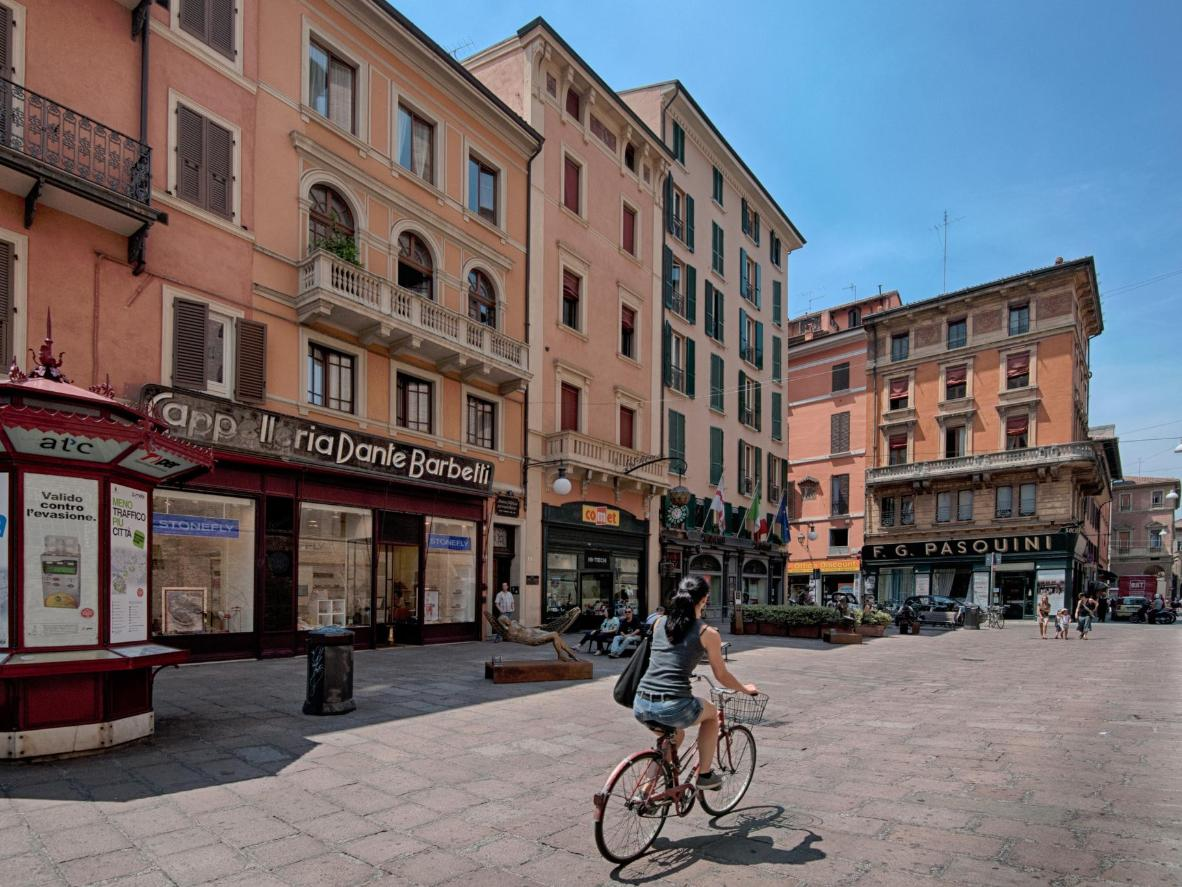 Navigating the Italian landscape is a breeze with a few key phrases under your belt