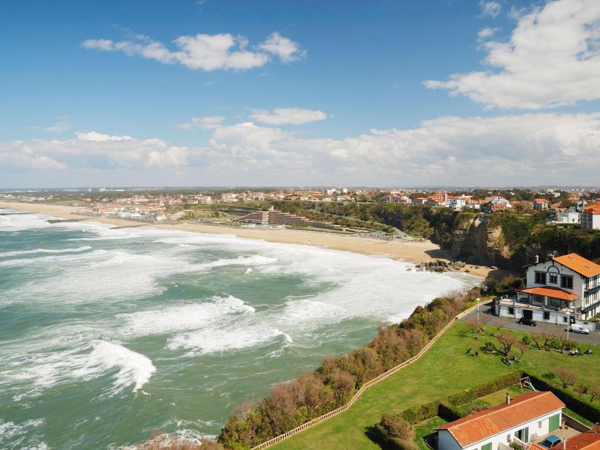 Restaurantes con estrellas Michelin se alinean en el paseo marítimo de Biarritz
