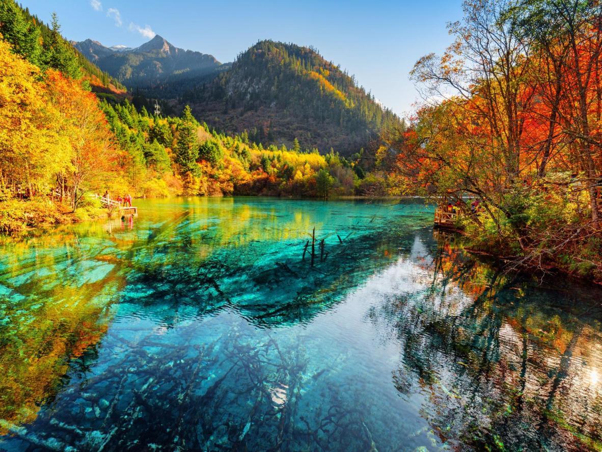 Autumn colours in Jiǔzhàigōu National Park