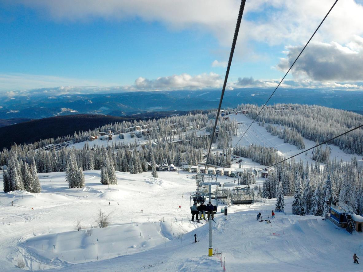 Vernon is perfect for both day and night cross-country skiing