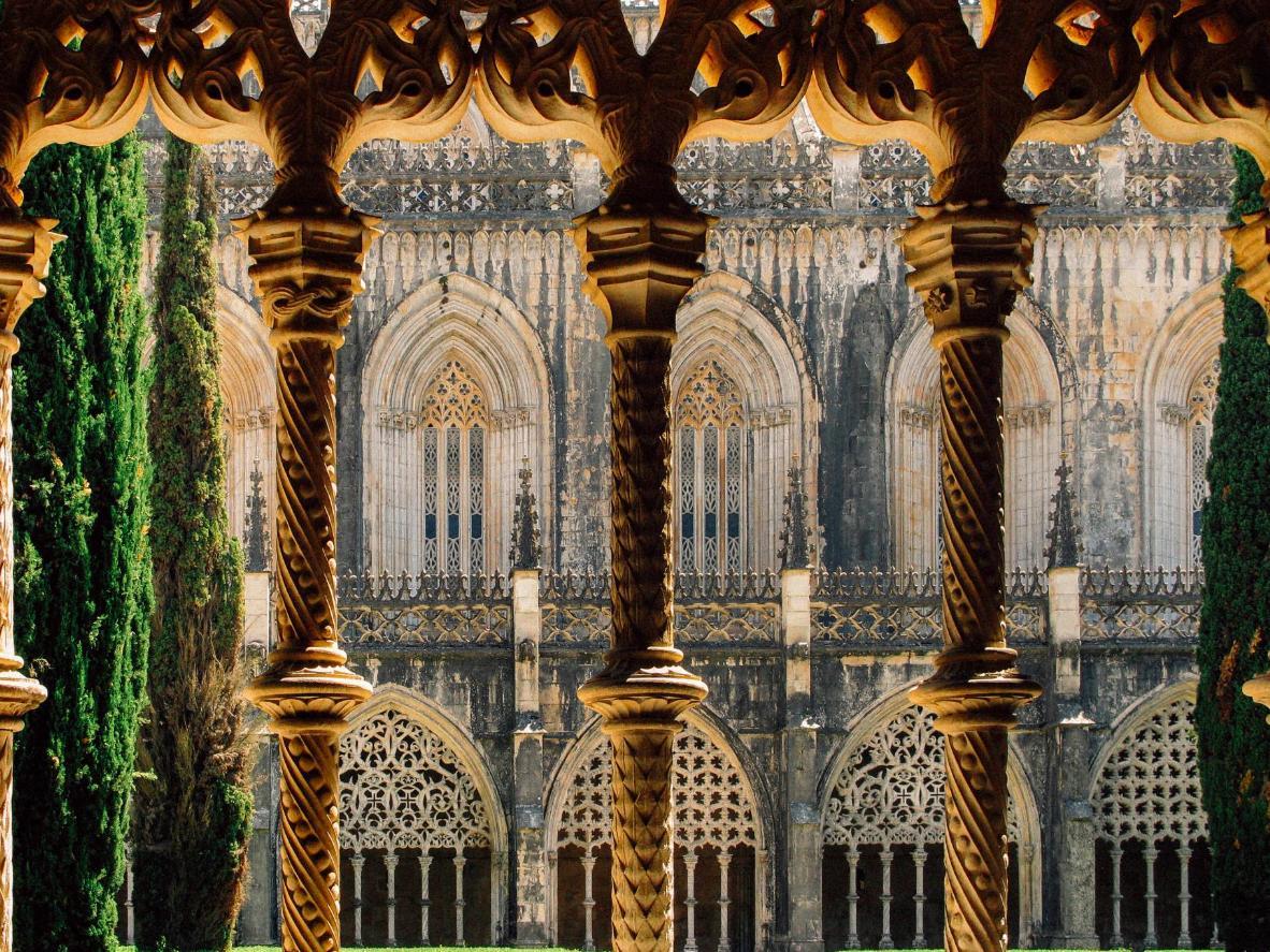 Take in the beauty of Mosteiro da Batalha