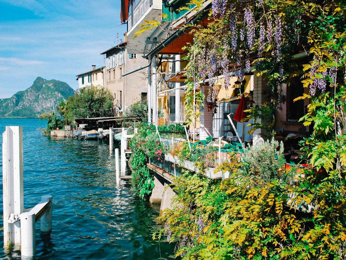 Vistas a la montaña en Gandria, Lago de Lugano, Suiza