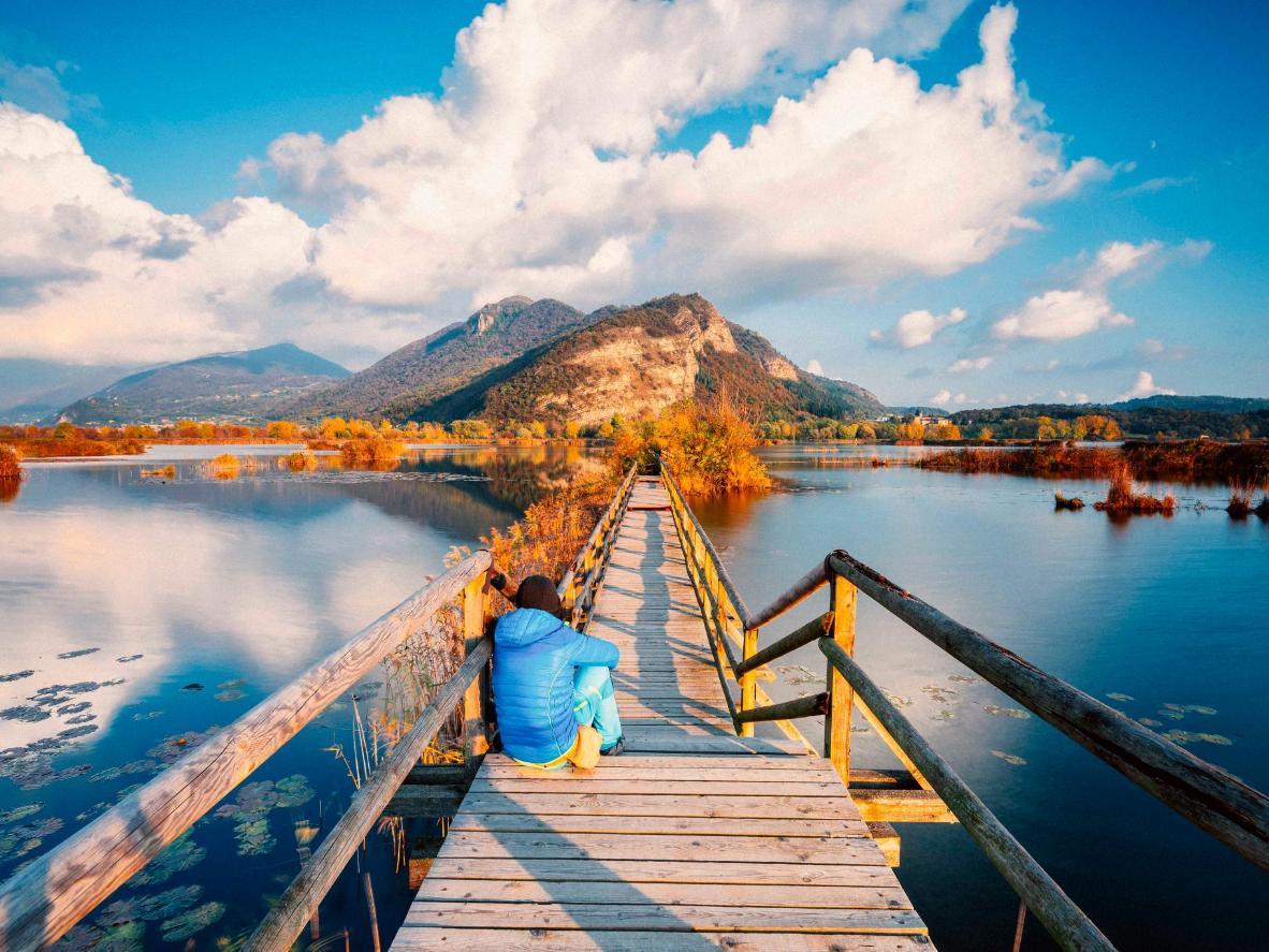 La ciudad de Riva di Solto, en el lago Iseo, menos conocido pero posiblemente el mejor de los lagos italianos.