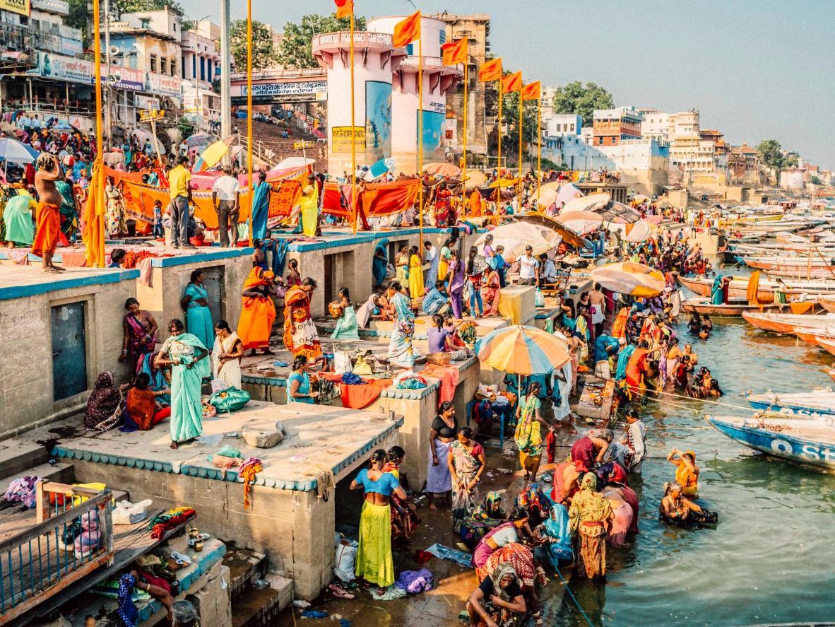 Pilgrims at the Dashashwamedh Ghat
