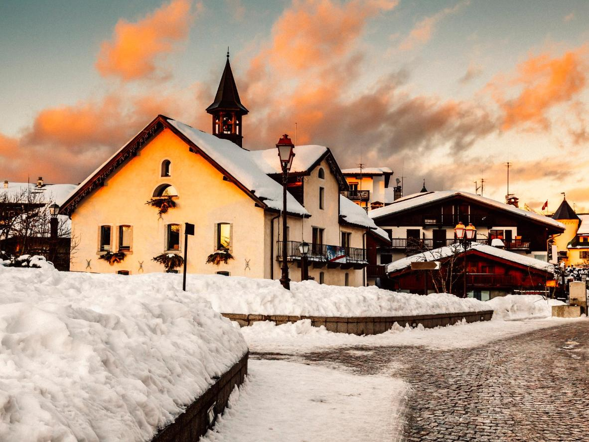 Michelin-starred restaurants and high-end boutiques line the streets of Megève