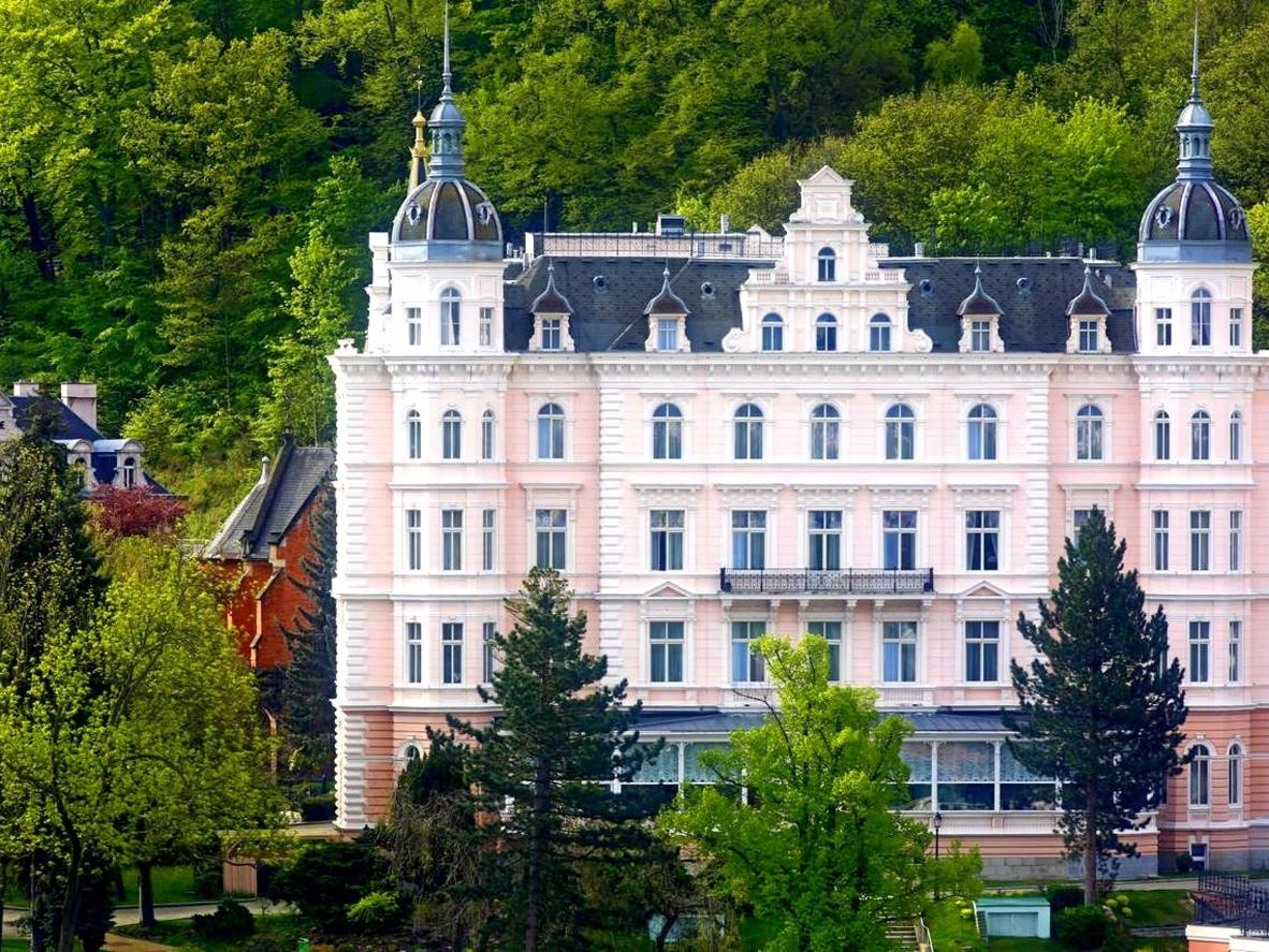 Look familiar? The façade of Grandhotel Pupp inspired the fictional Grand Budapest