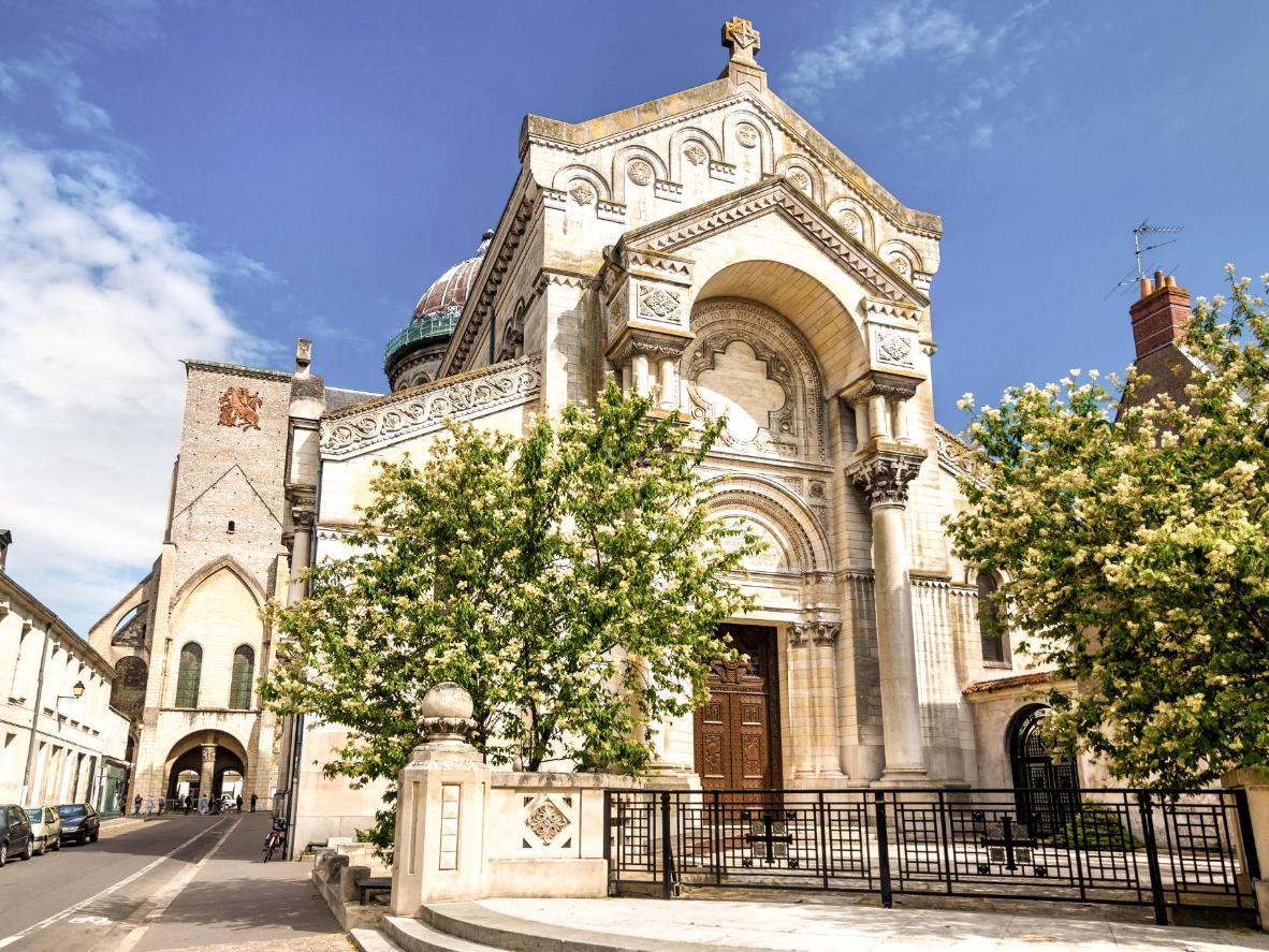 Elegant architecture in Tours