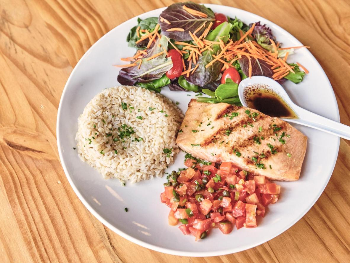 Green Kitchen has the best, fresh Brazilian food. The menu changes daily and the food is made with lots of healthy, filling, ingredients.