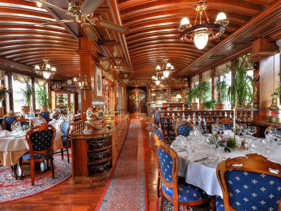 Comer en los comedores del Almirante es una fiesta para todos los sentidos.