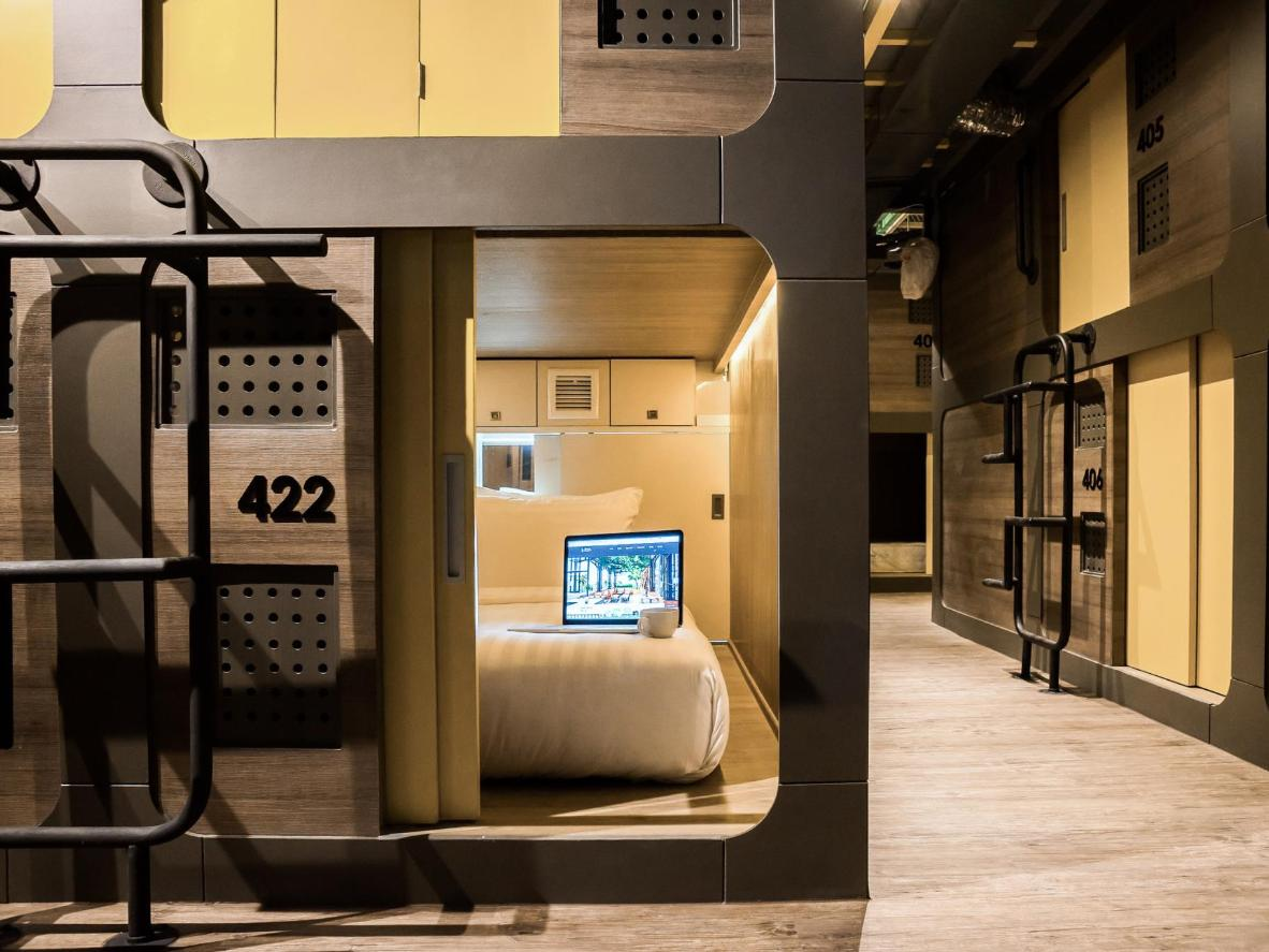 Sleeping Pods The World S Top 10 Capsule Hotels Booking Com