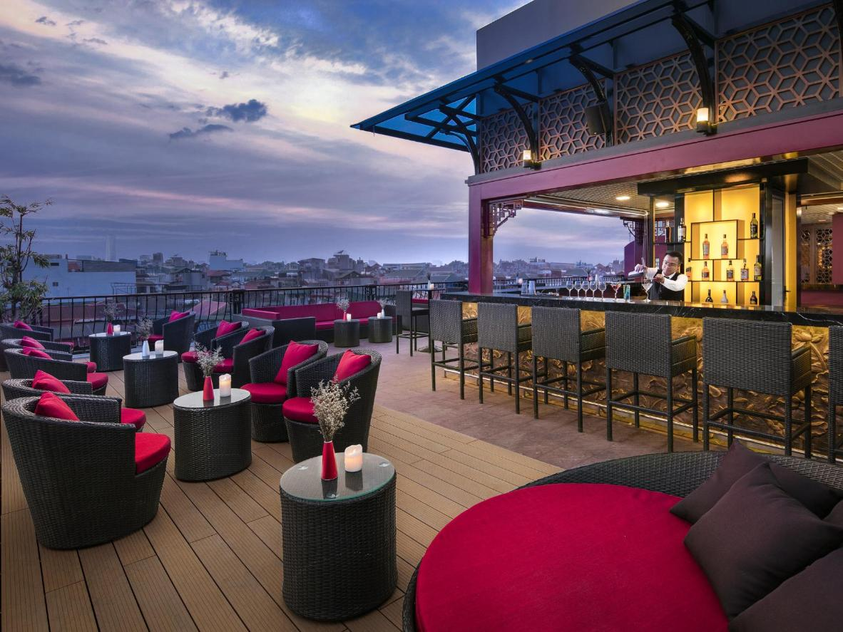 Get high hotels with the best rooftop bars for Design hotel vietnam