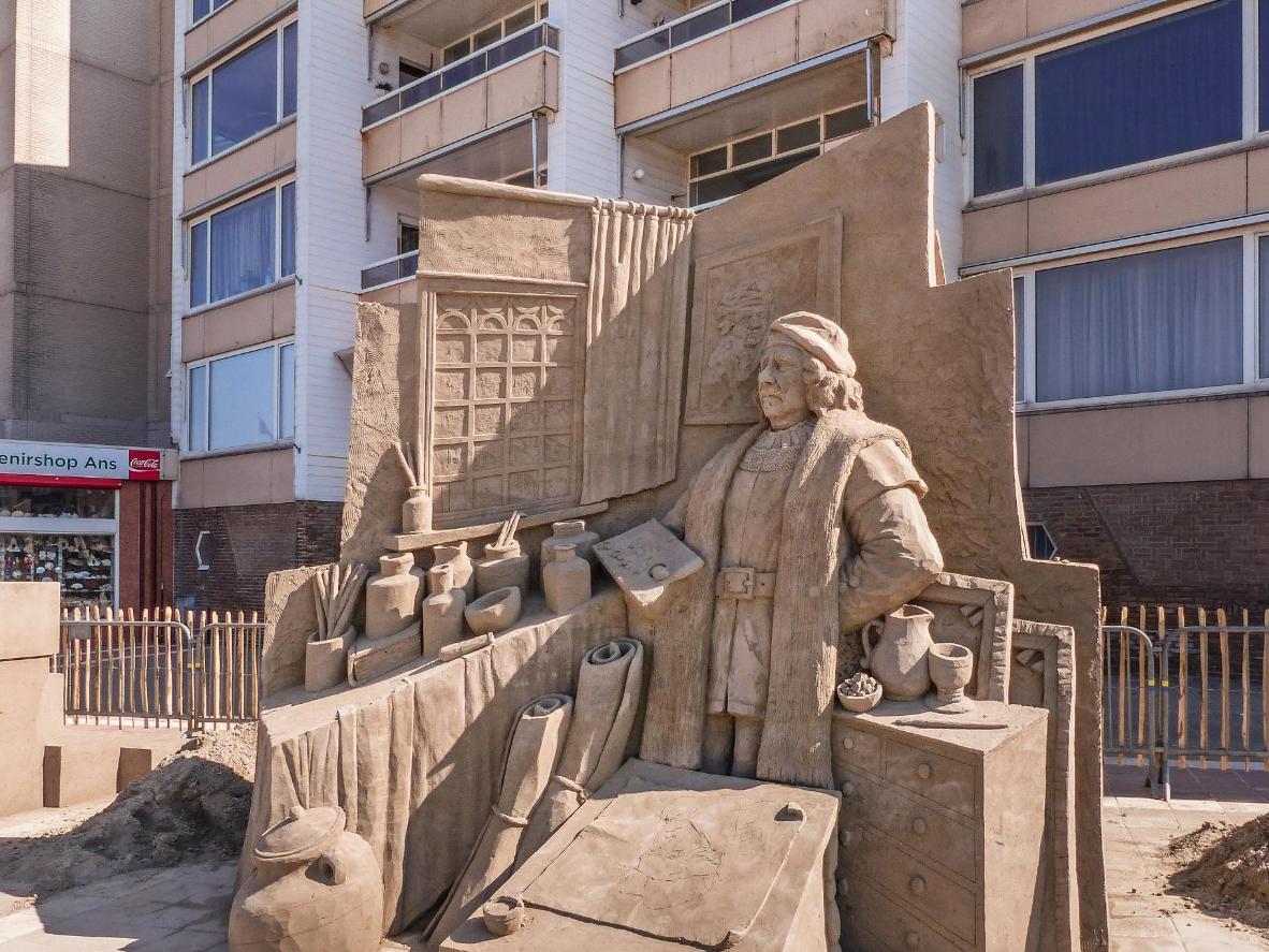 A sand sculpture of the artist Rembrandt at Zandvoort