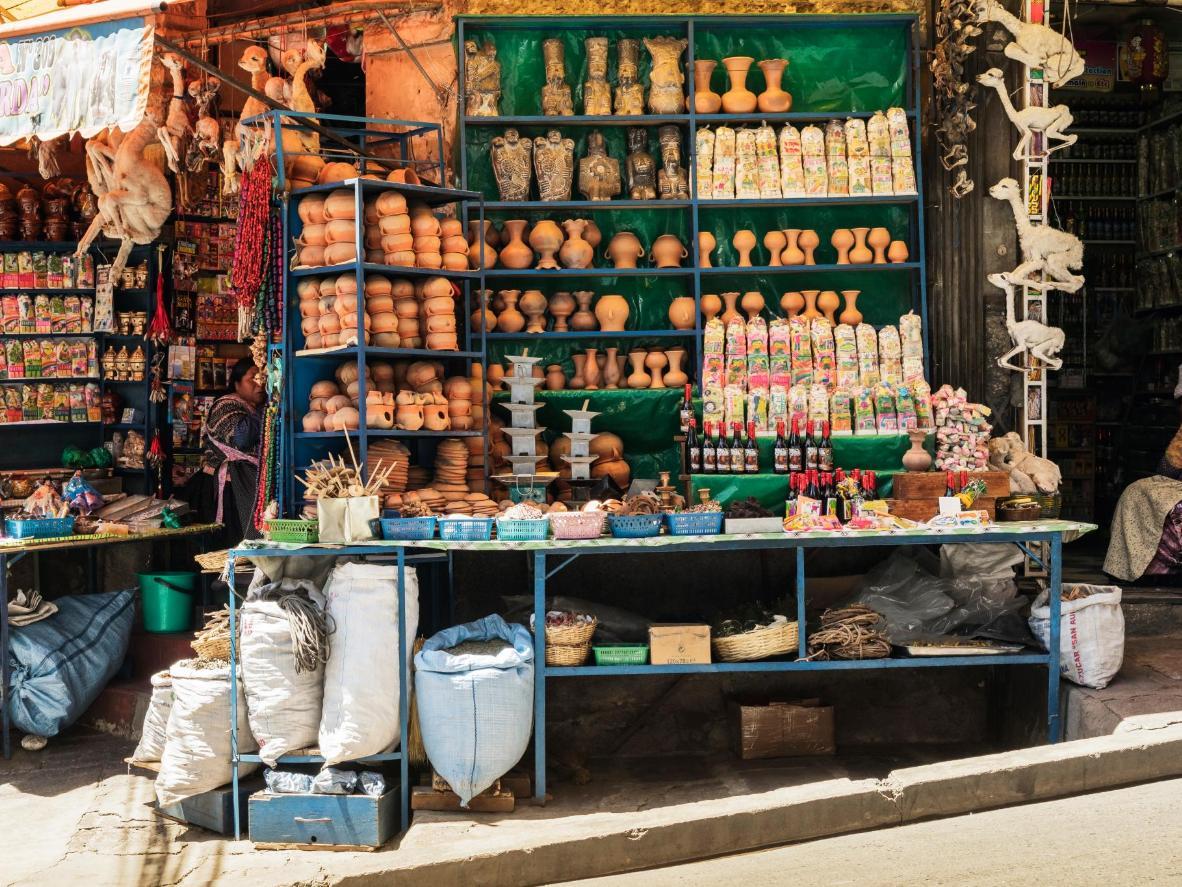 Participa en un ritual chamánico en el mercado de las brujas de La Paz