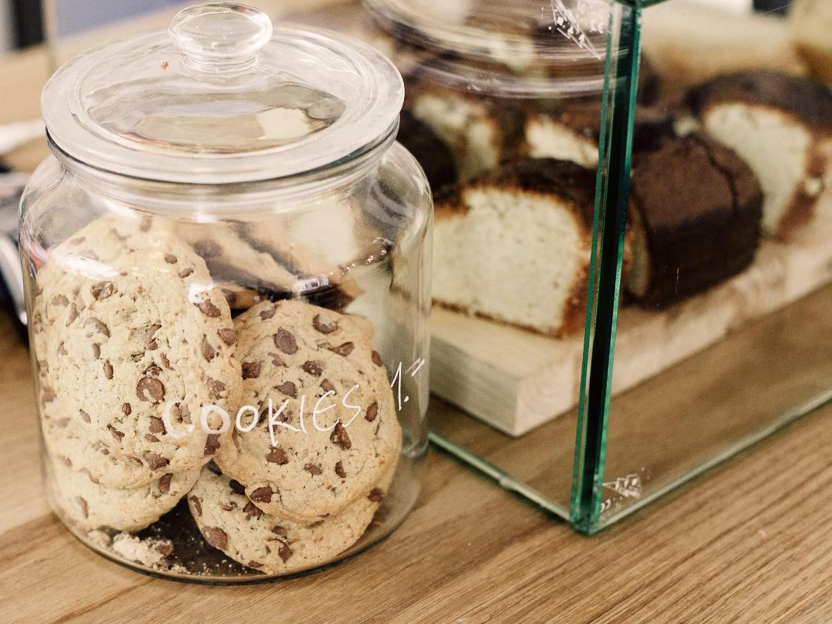 Chocolate chip cookies are so addictive you'll want the whole jar