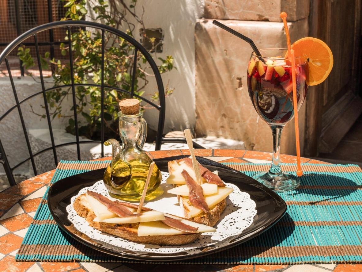 El aceite de oliva virgen extra es el ingrediente destacado de las tapas de Jaén.