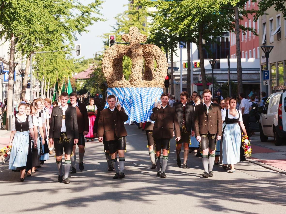 Don a harvest crown and join the Erntedankfest procession