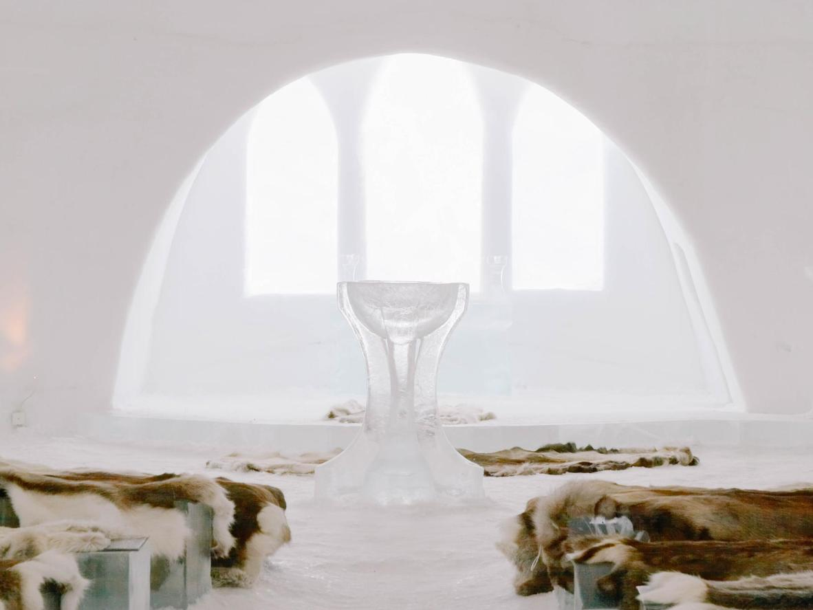 "Say ""I do"" in the Jukkasjärvi Ice Church"