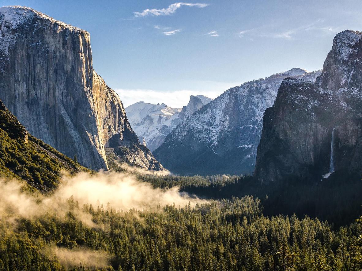 El tamaño de los acantilados de origen glaciar de Yosemite es apabullante