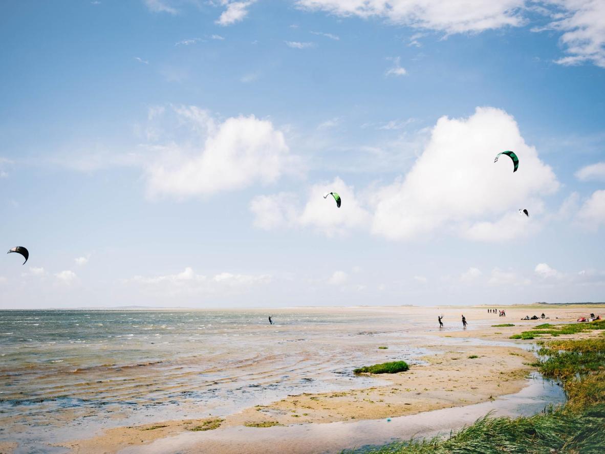 Kitesurfing on the island of Terschelling, Friesland