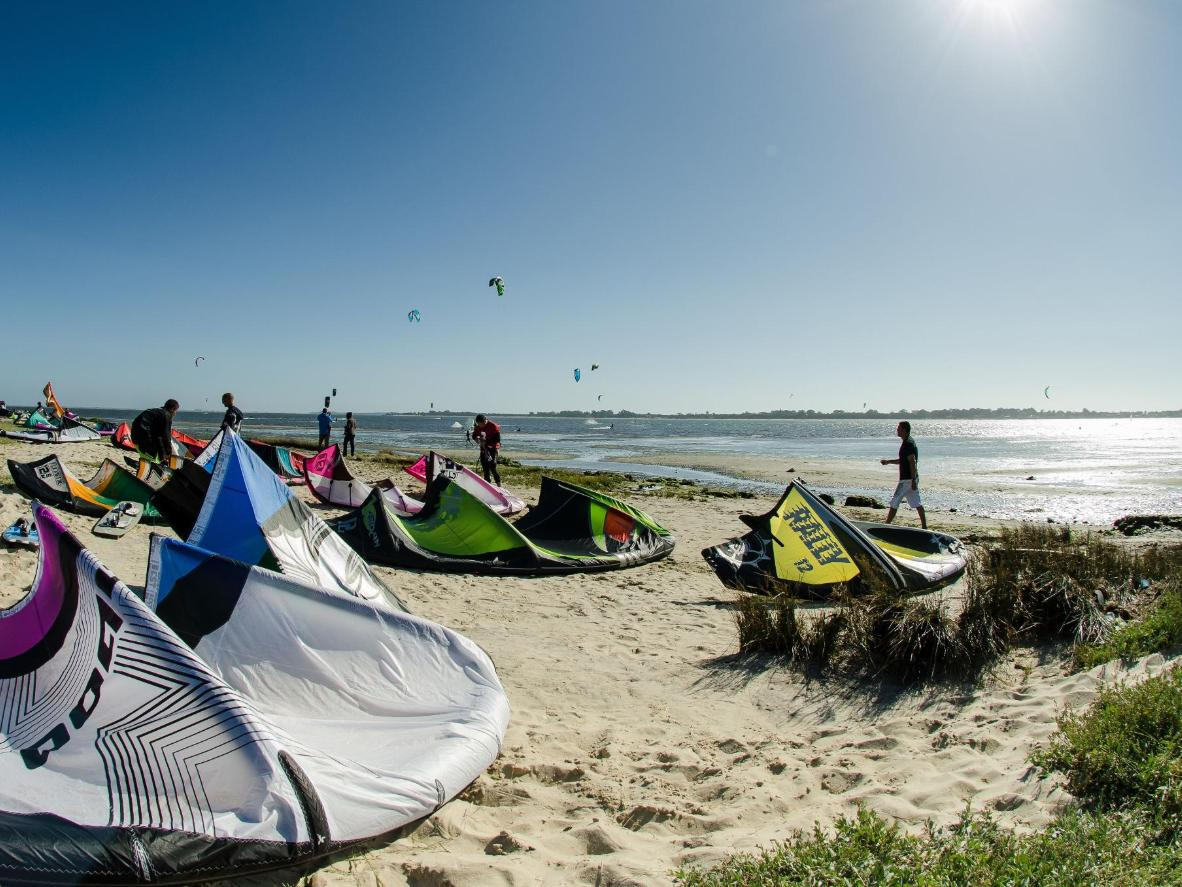 A kitesurfing championship in Espinho