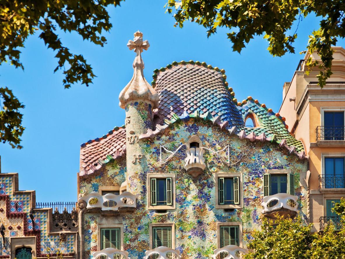 The mosiac walls of the Casa Batlló in Barcelona