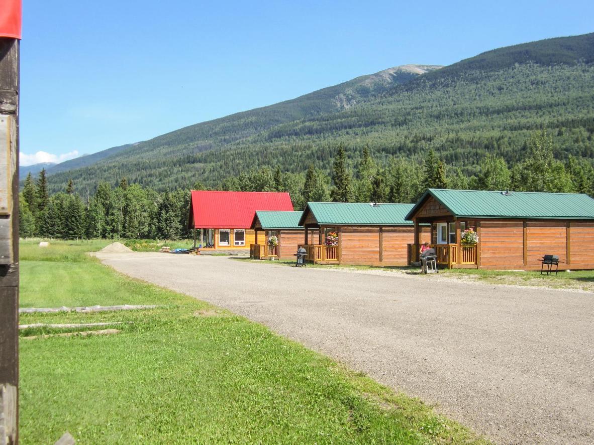Beaver Creek Lodge and Cabins