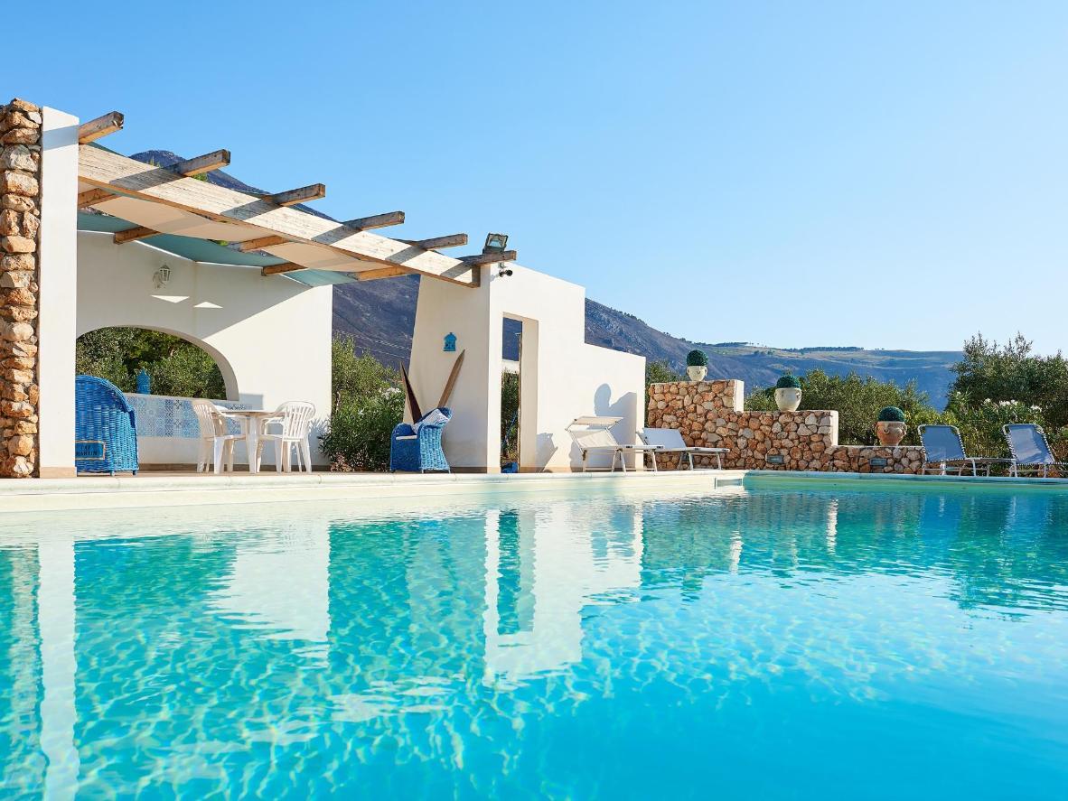 Un alojamiento de piedra y estilo provenzal en medio de las colinas sicilianas