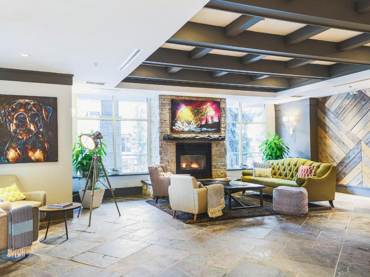 Summit Lodge Boutique Hotel Whistler in Whistler Blackcomb