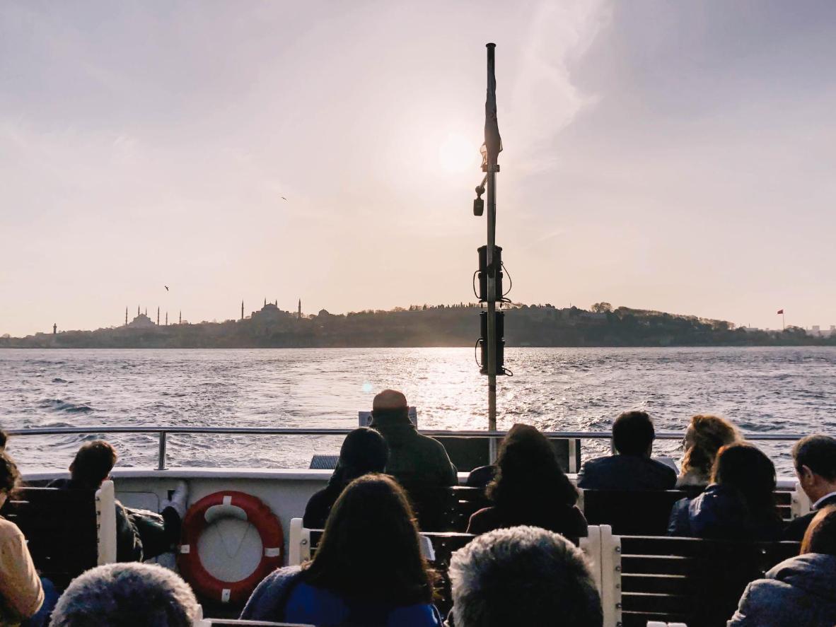 Cualquier Istanbulite le dirá que las vistas en el ferry a Kadikoy son inmejorables