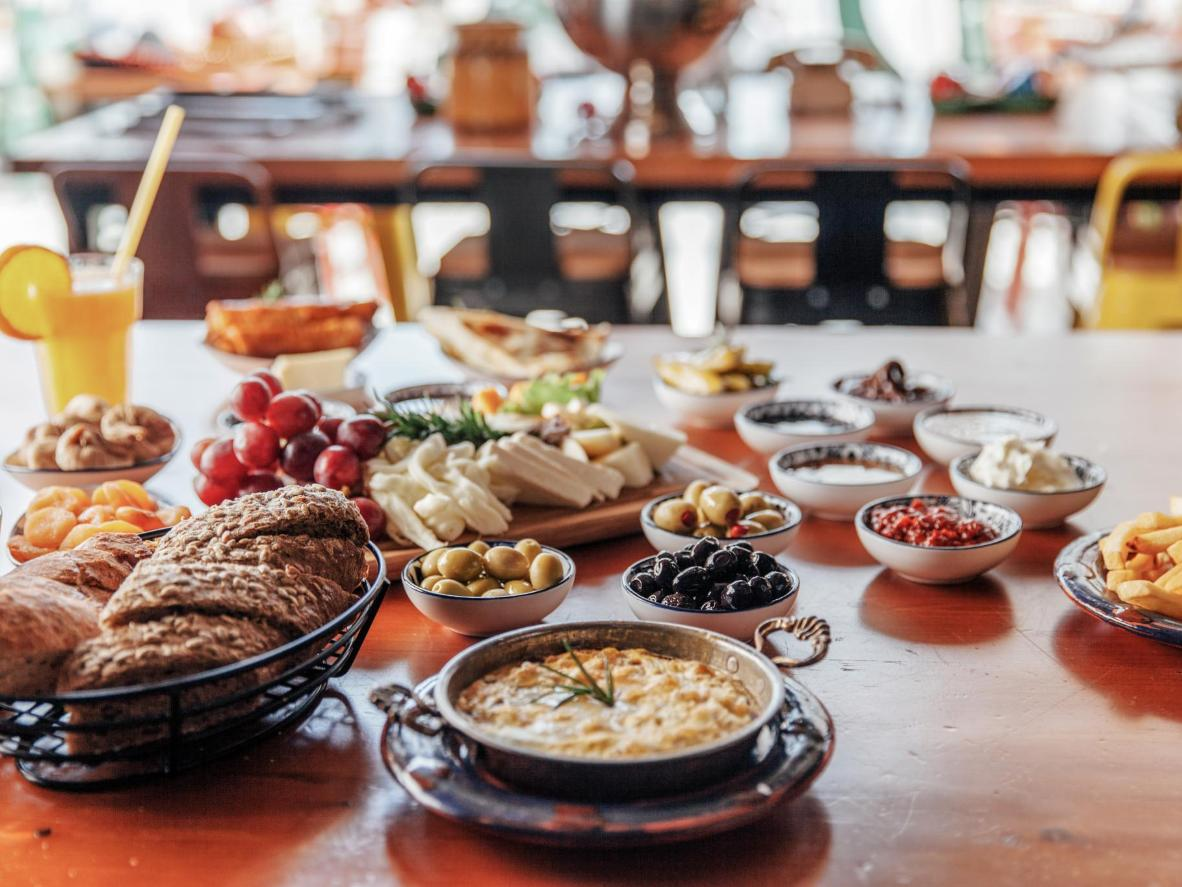 The meze planted on most Istanbul restaurant tables before the main meal is a veggie dream