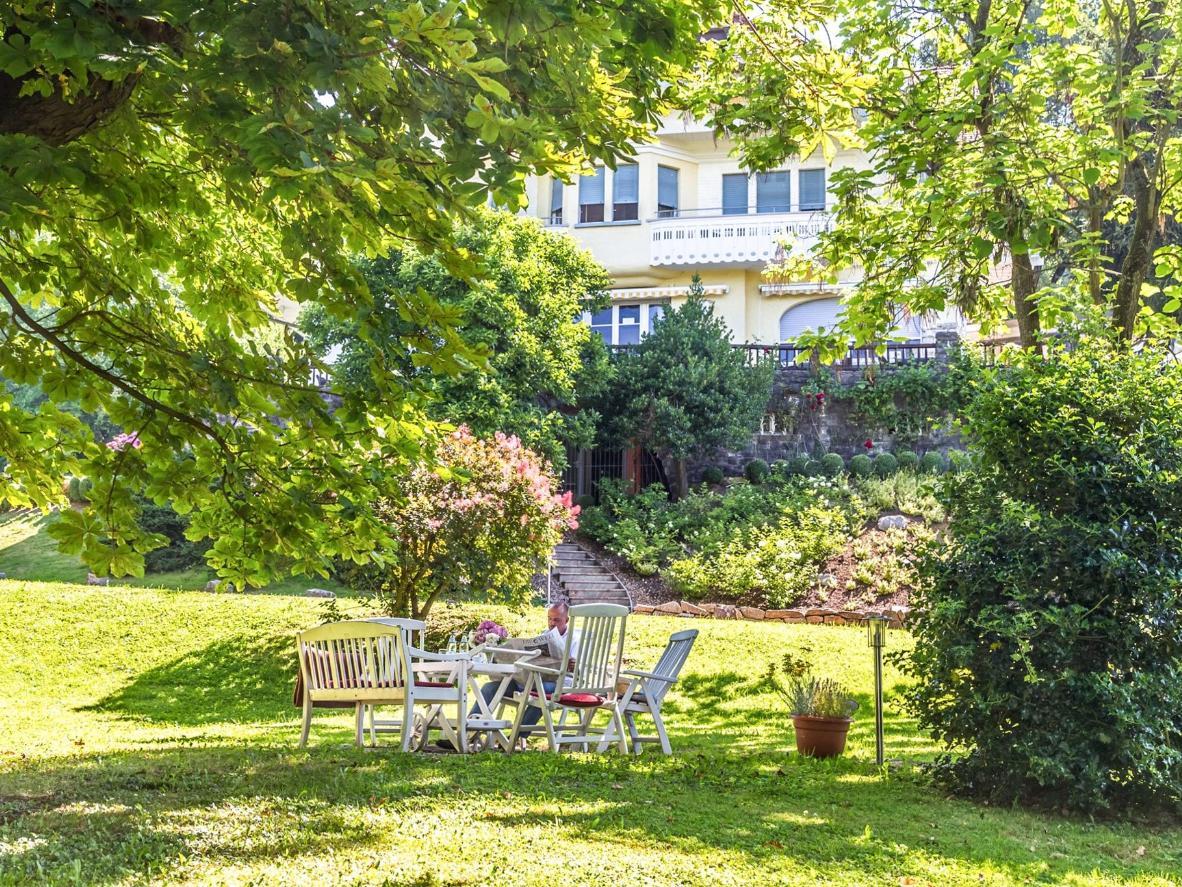 Relax in the garden at Hotel Villa Elben