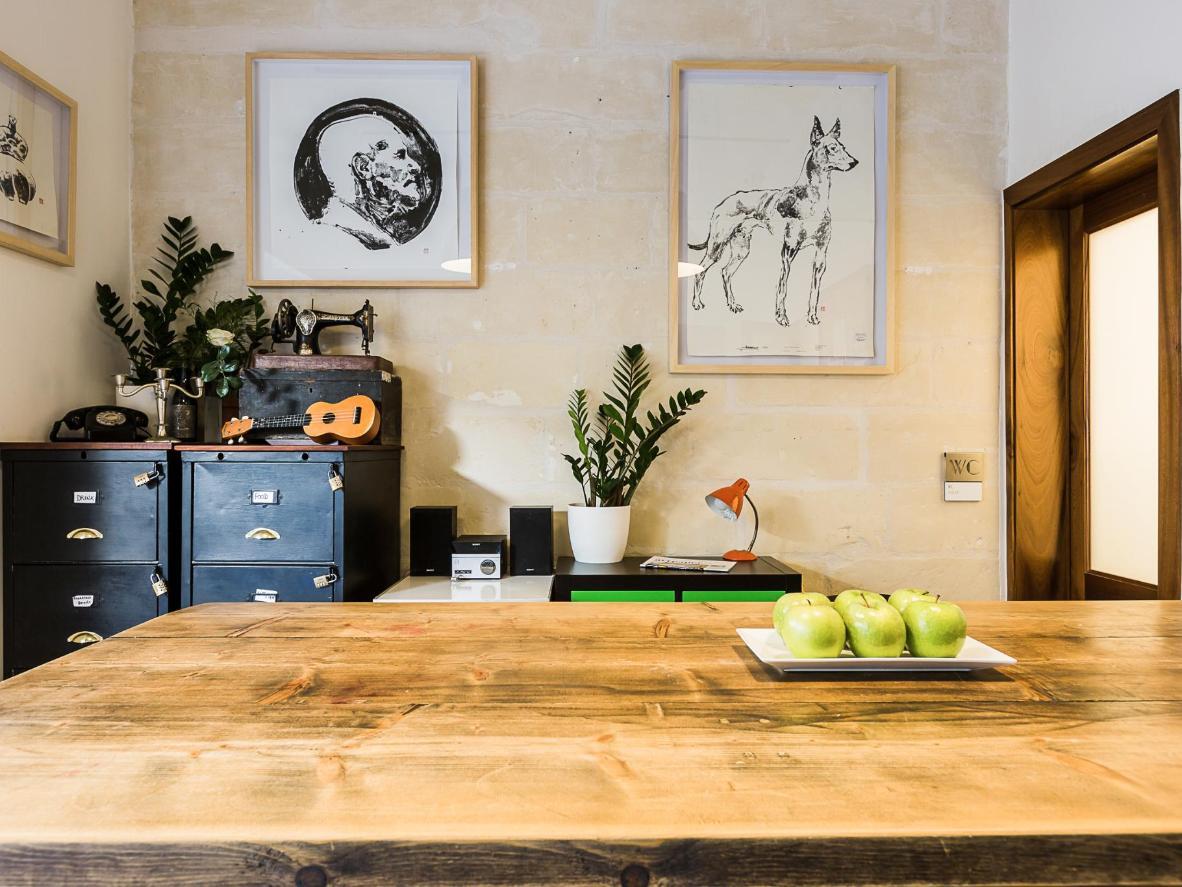 Scandinavian-style furniture and monochrome art are a winning combination