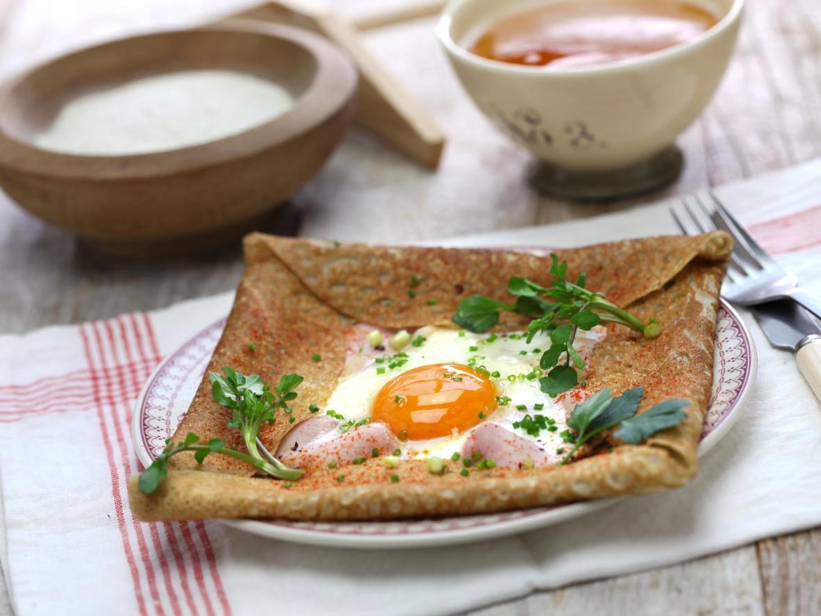 Prueba la galette complète, con trigo sarraceno, queso, jamón y huevo frito