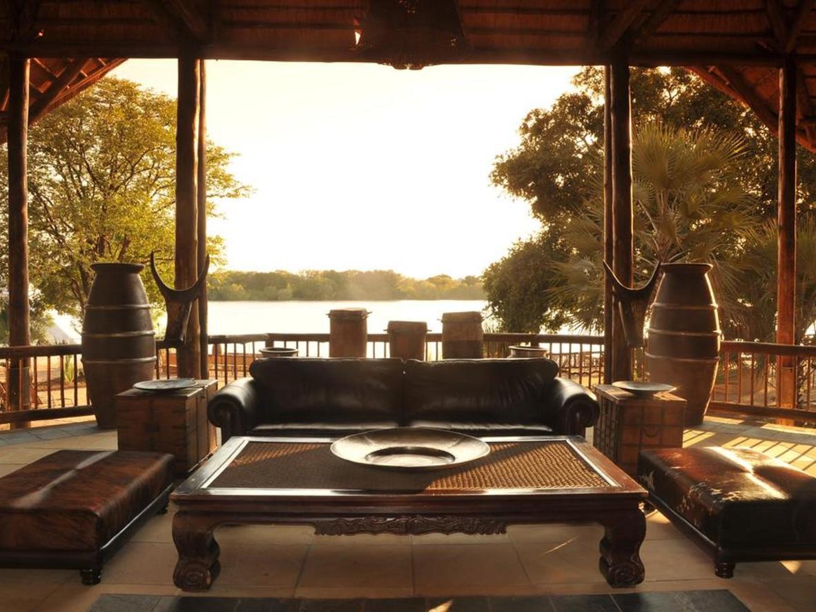 ザンベジ川を眺めながらうたた寝するクリスマスもいいかも…