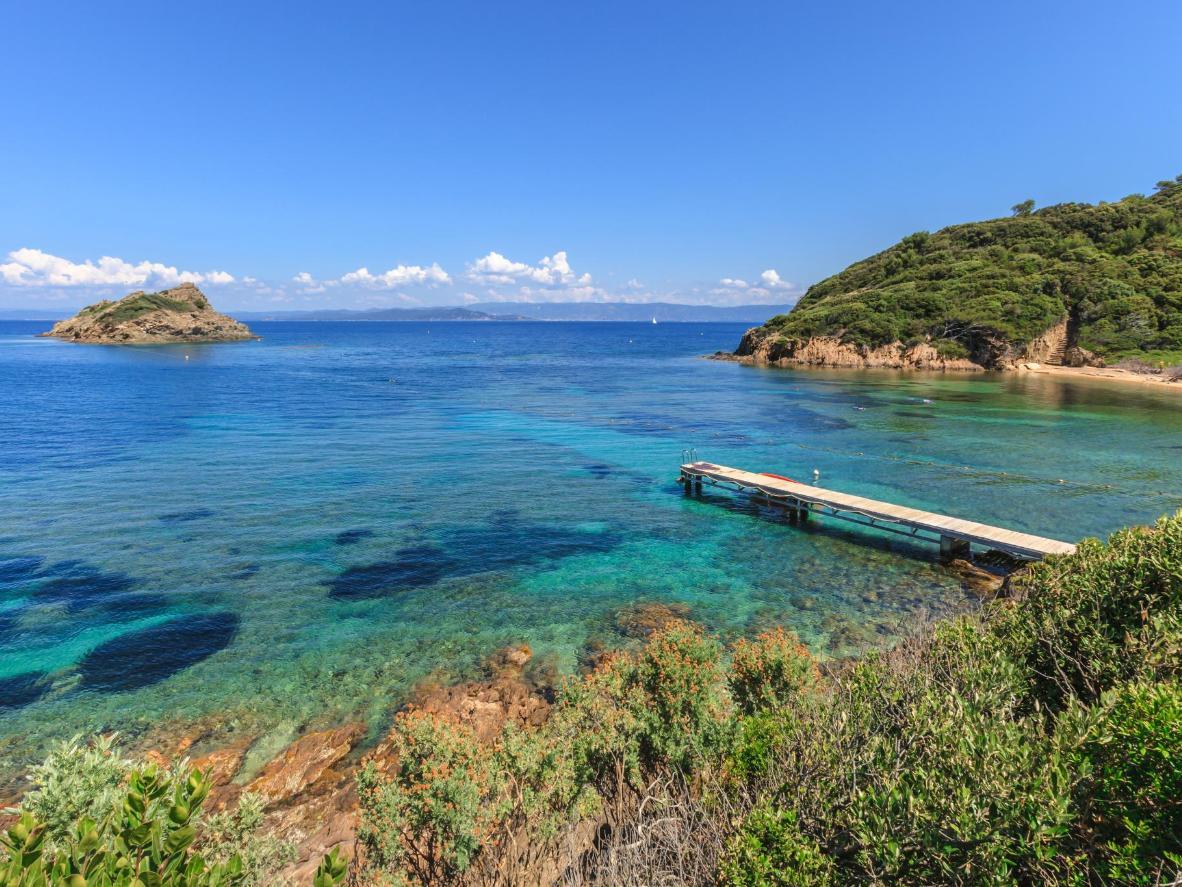 Un parque nacional protegido, Îles d'Hyères representa los días de fiesta de la Riviera francesa