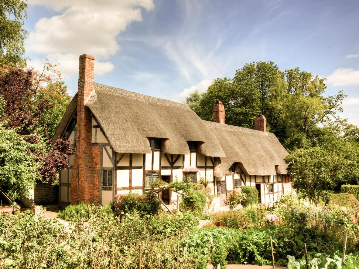 Visit the cottage of Anne Hathaway—Shakespeare's wife—when in Stratford